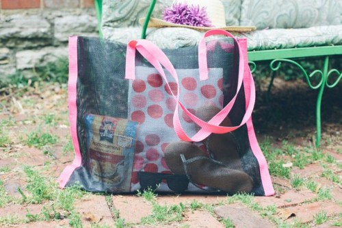 20 Colorful DIY Beach Totes